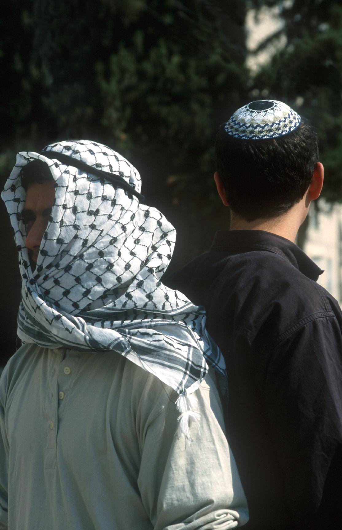 Symbolic gestures against hatred